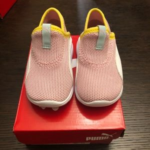 Brand new! Puma baby girl shoes size 4uk